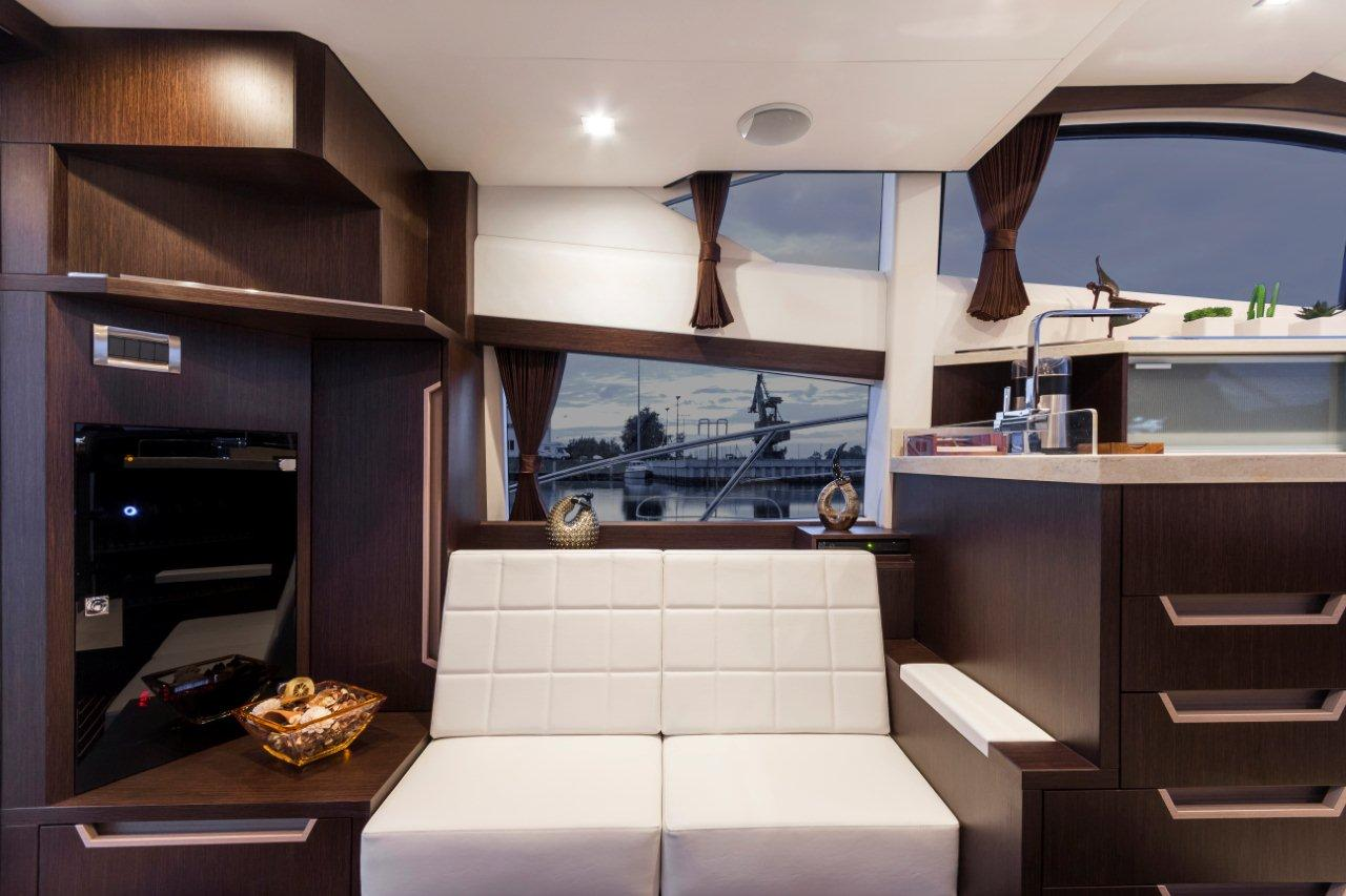 Galeon 420 FLY Internal image 10