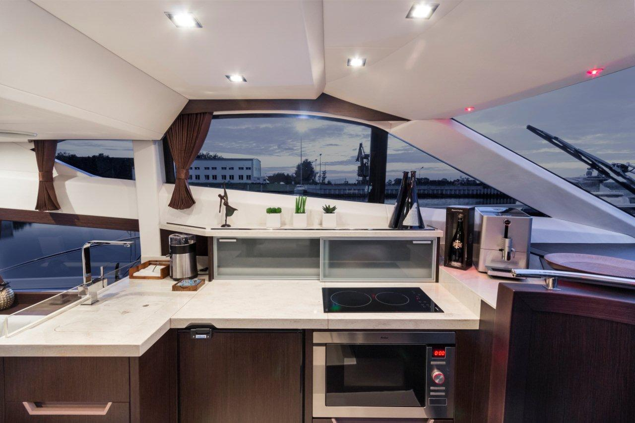 Galeon 420 FLY Internal image 12