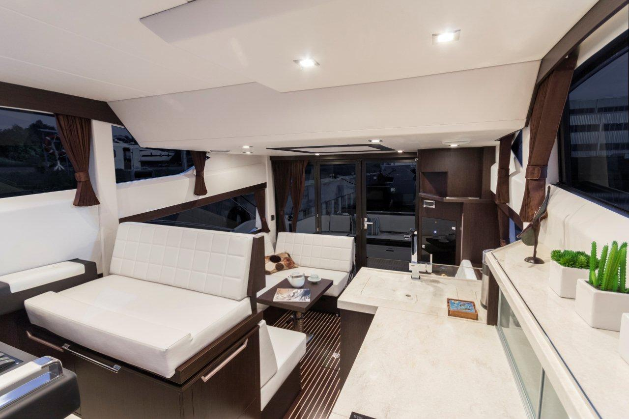 Galeon 420 FLY Internal image 13