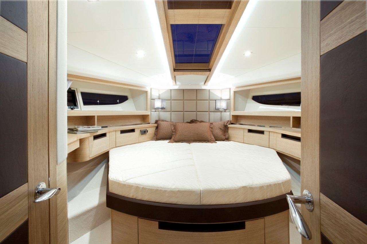Galeon 420 FLY Internal image 16