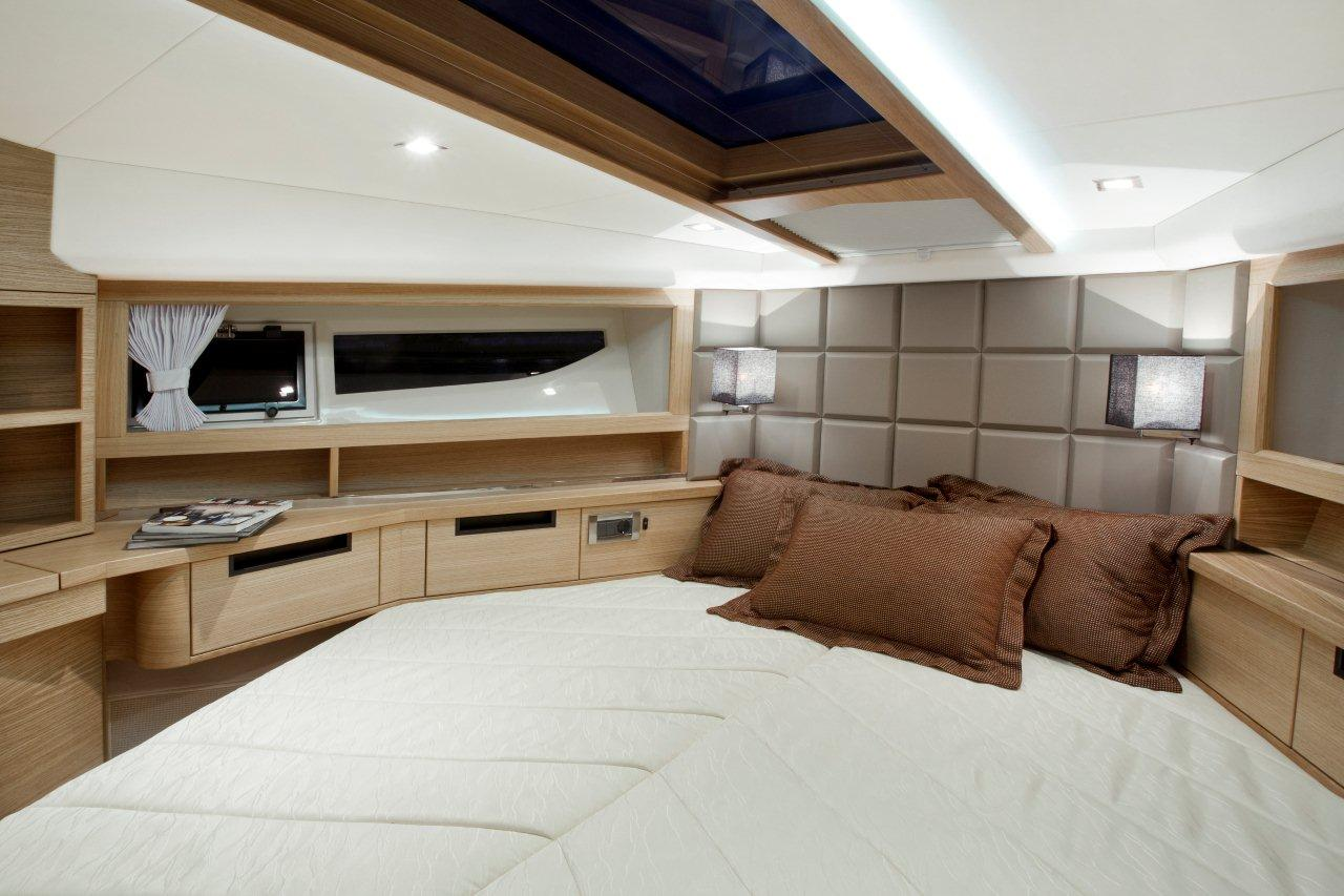 Galeon 420 FLY Internal image 17