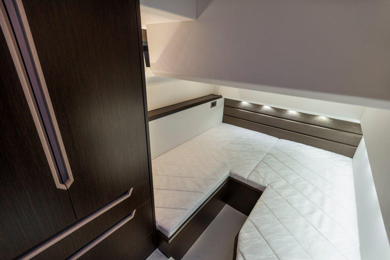 Galeon 420 FLY Internal image 3
