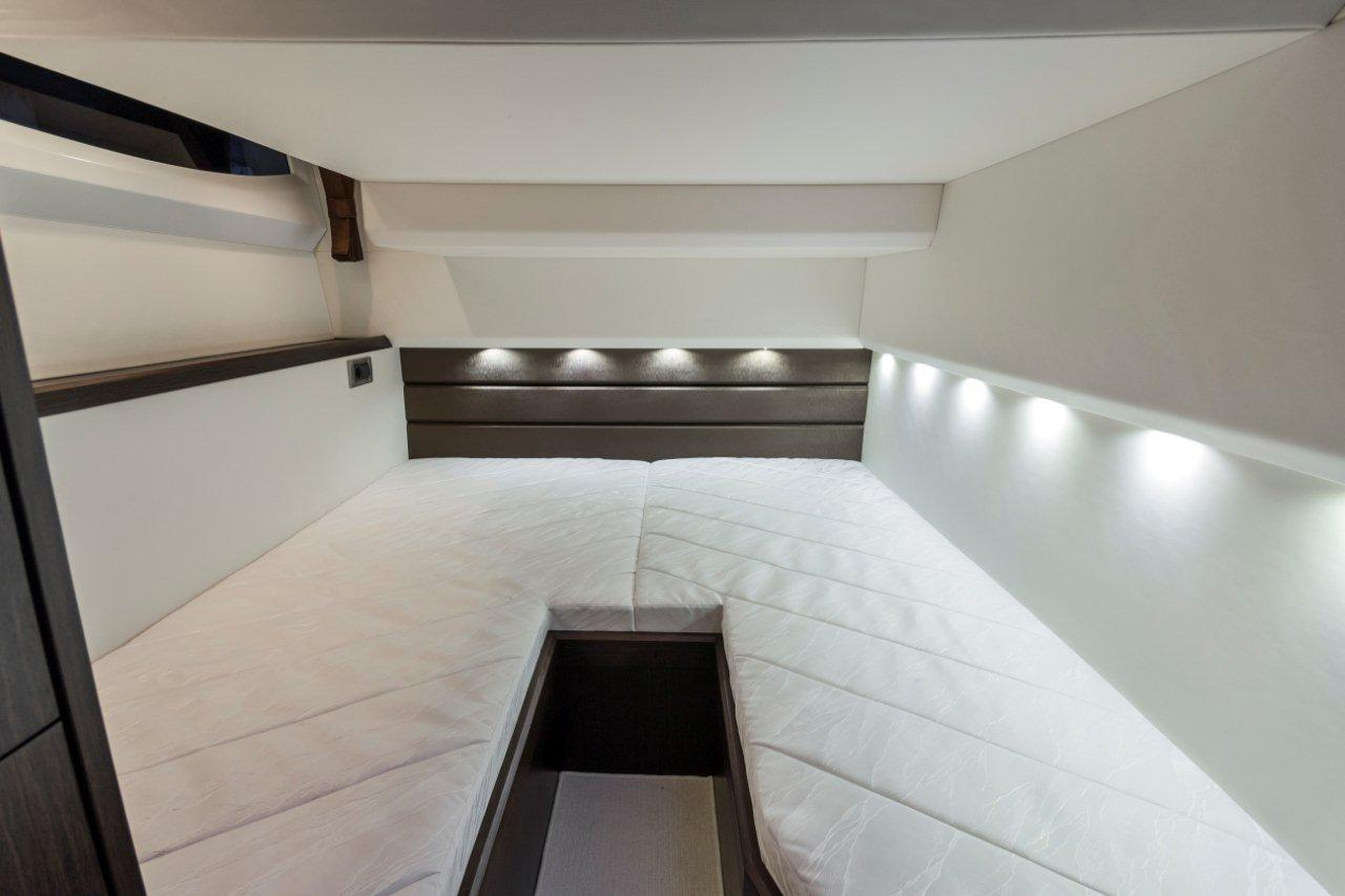Galeon 420 FLY Internal image 4