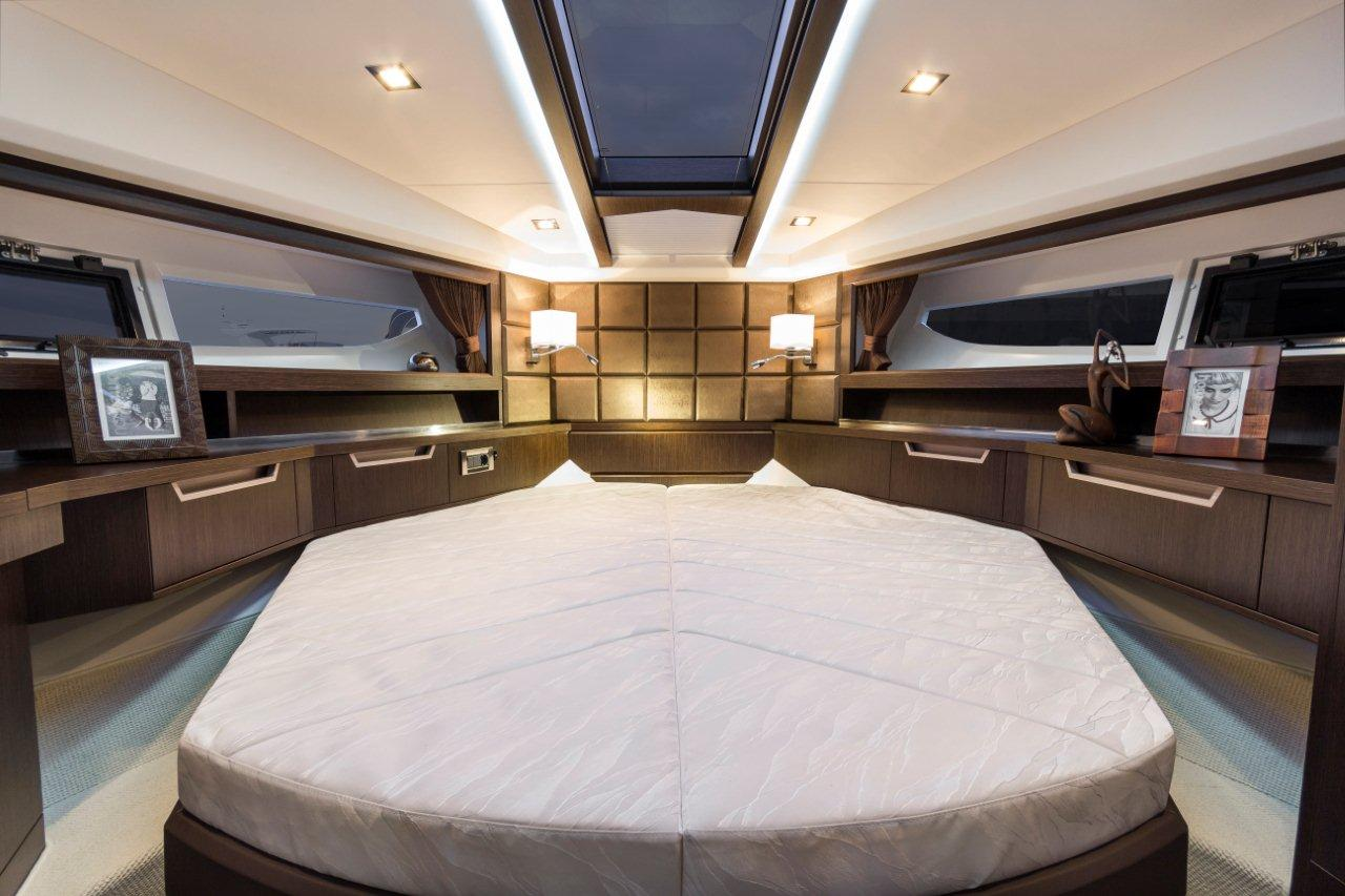 Galeon 420 FLY Internal image 5