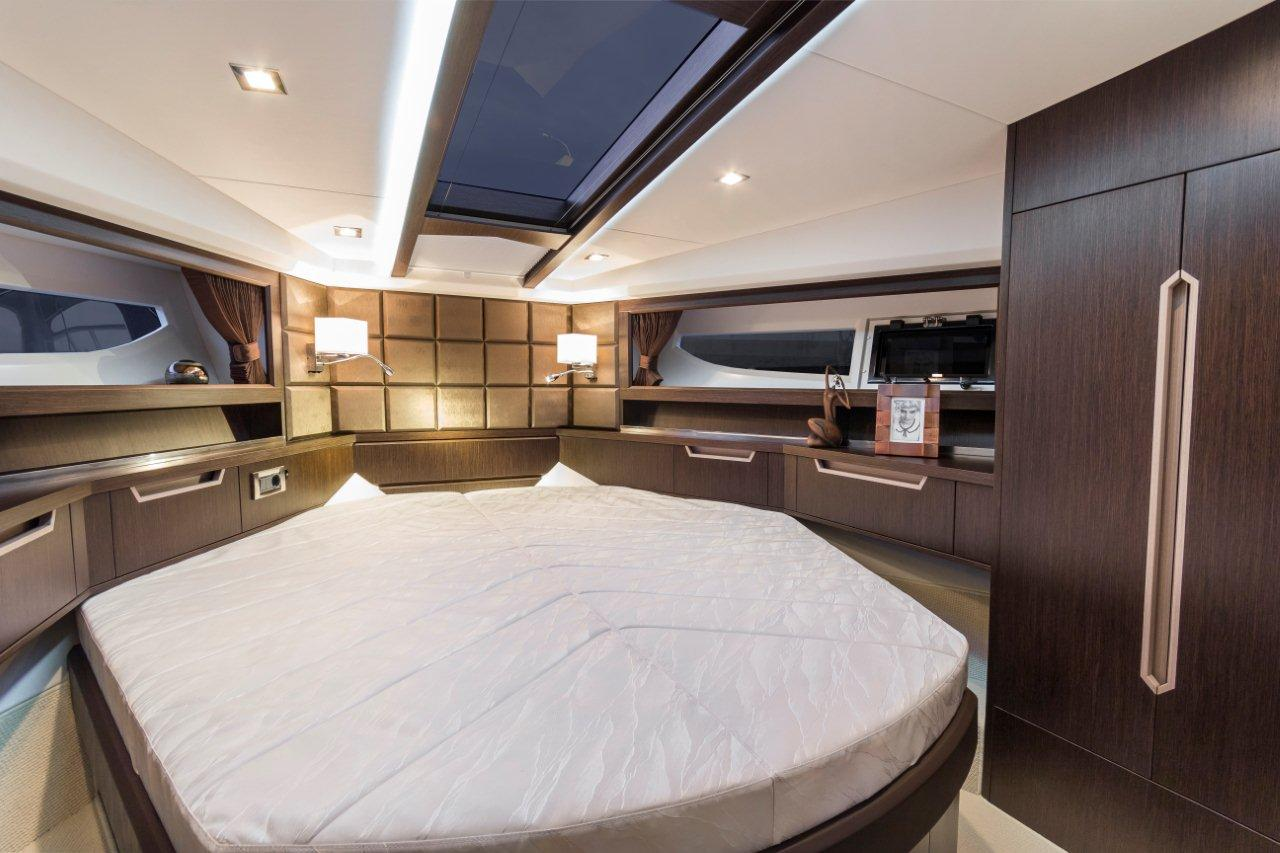 Galeon 420 FLY Internal image 7