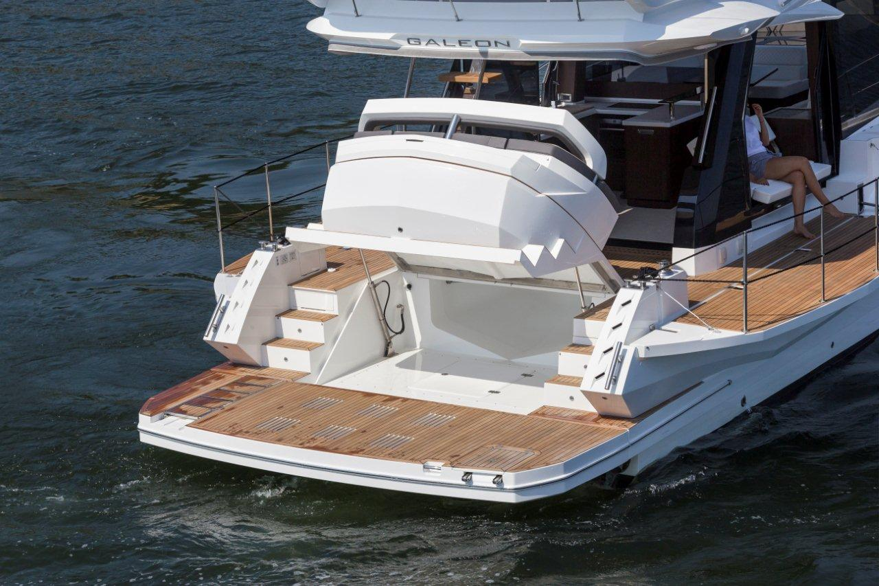Galeon 500 FLY Cockpit image 20