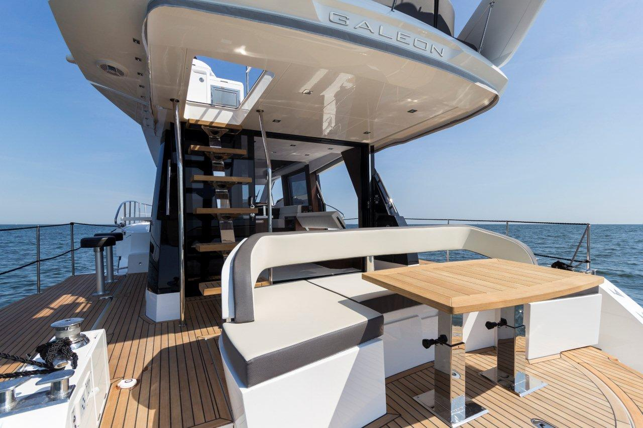 Galeon 500 FLY Cockpit image 23