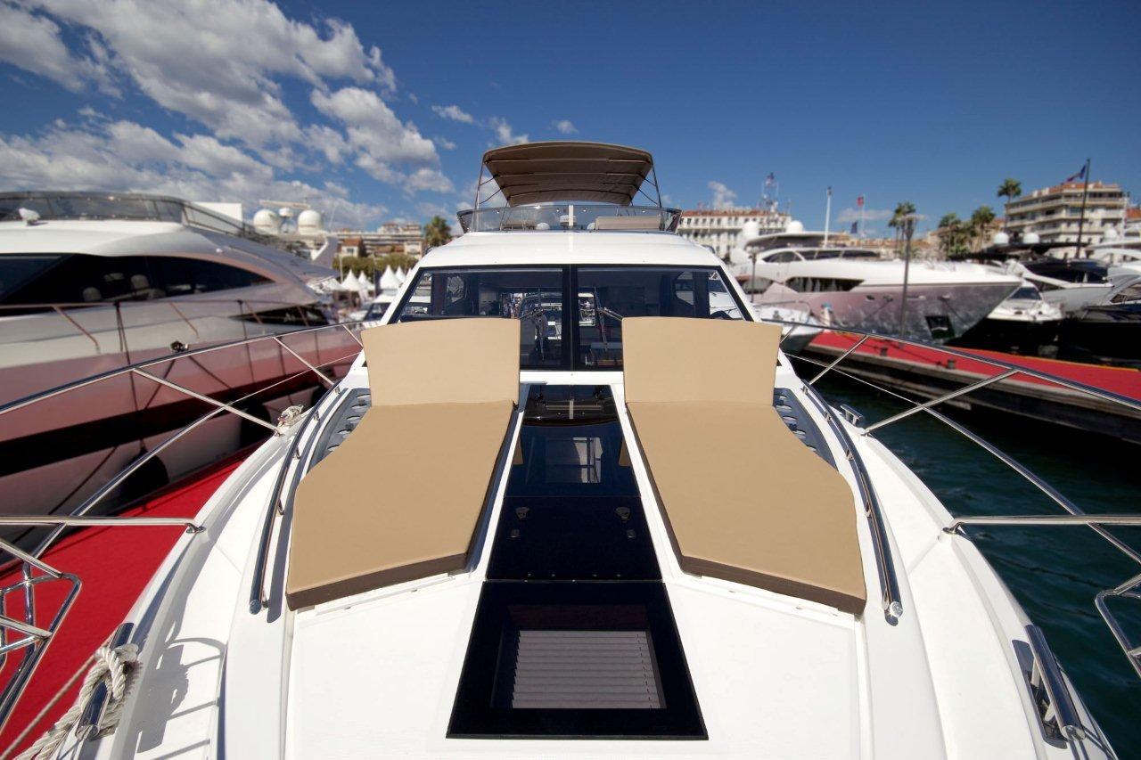 Galeon 550 FLY Cockpit image 25
