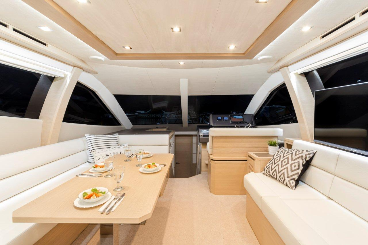 Galeon 550 FLY Internal image 4