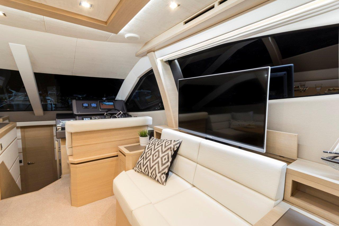 Galeon 550 FLY Internal image 7