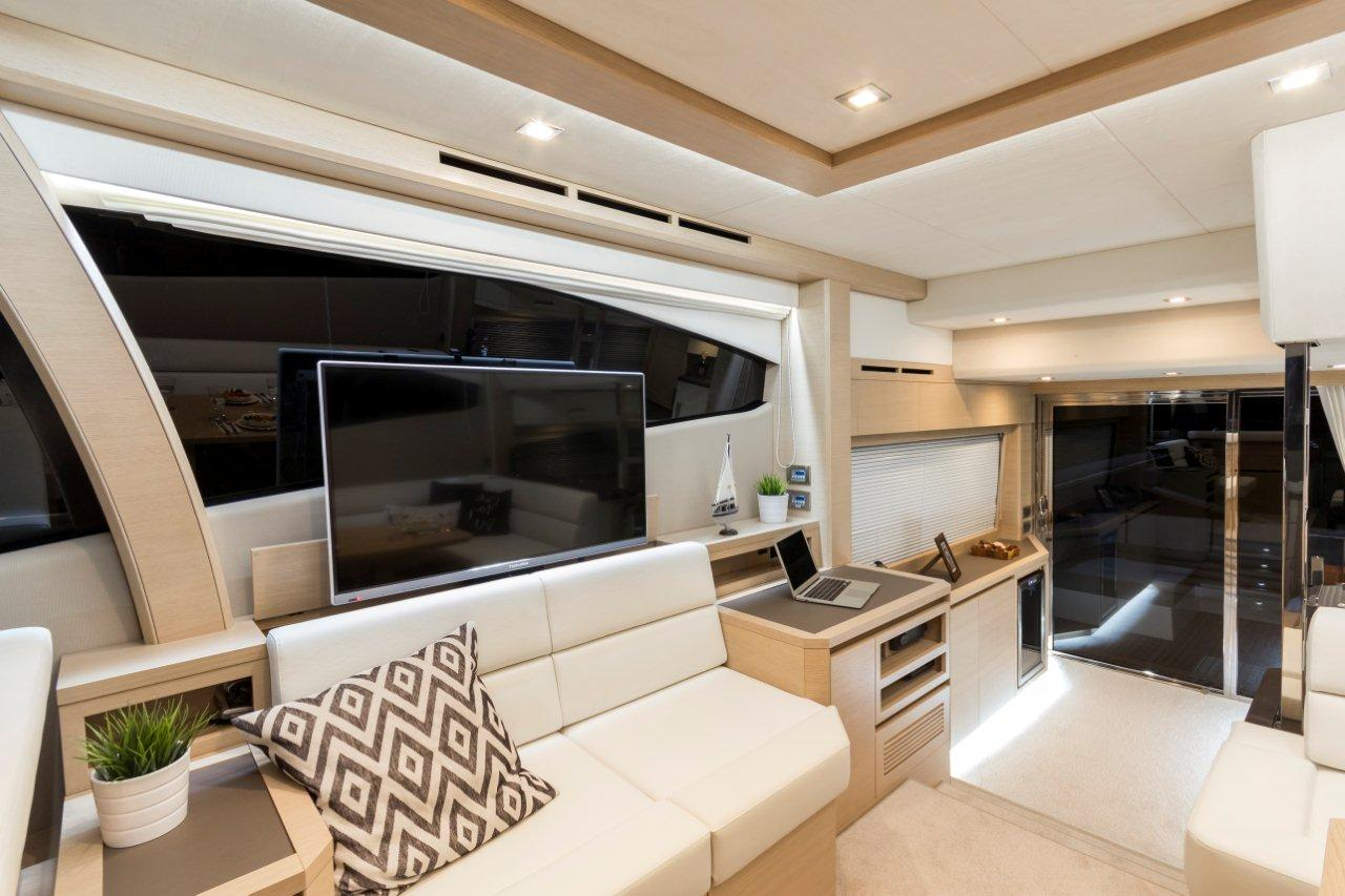 Galeon 550 FLY Internal image 9