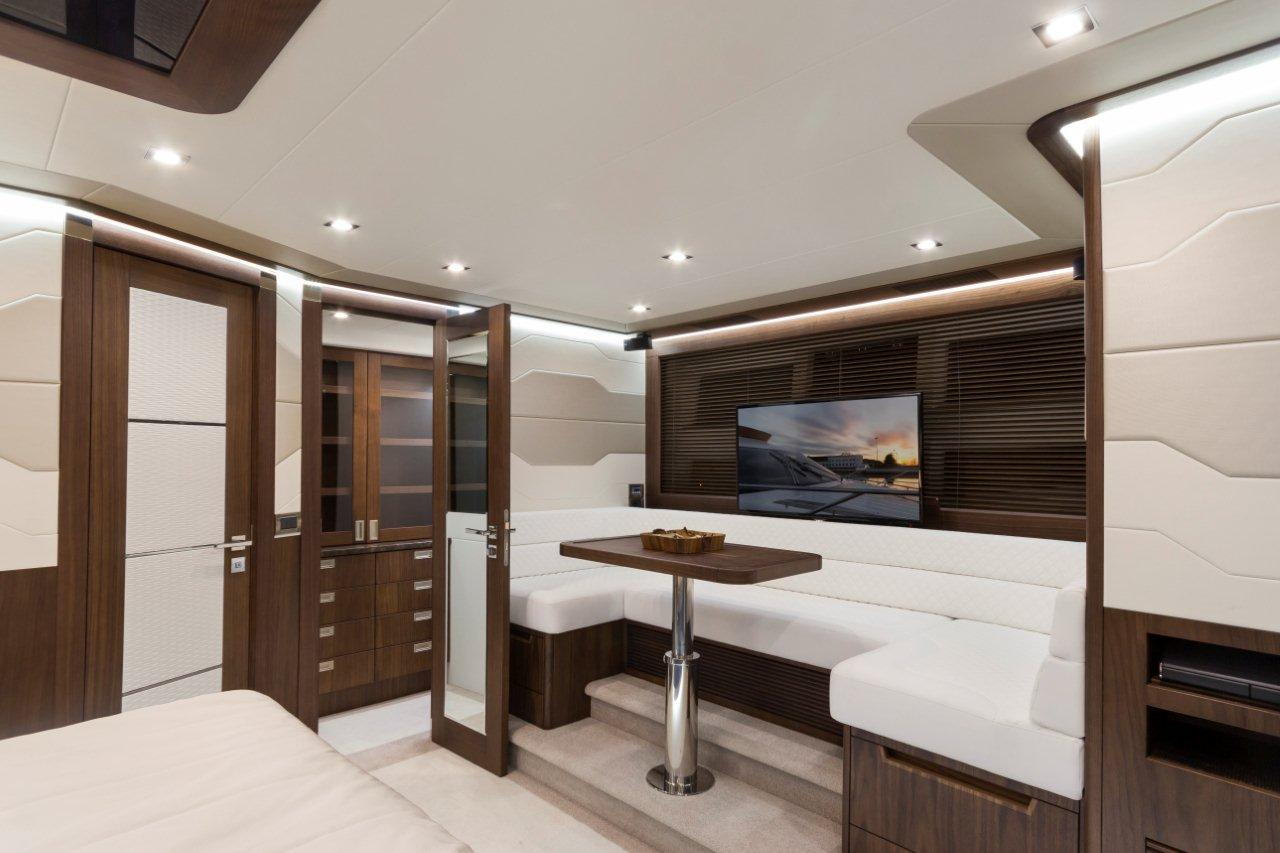 Galeon 660 FLY Internal image 17