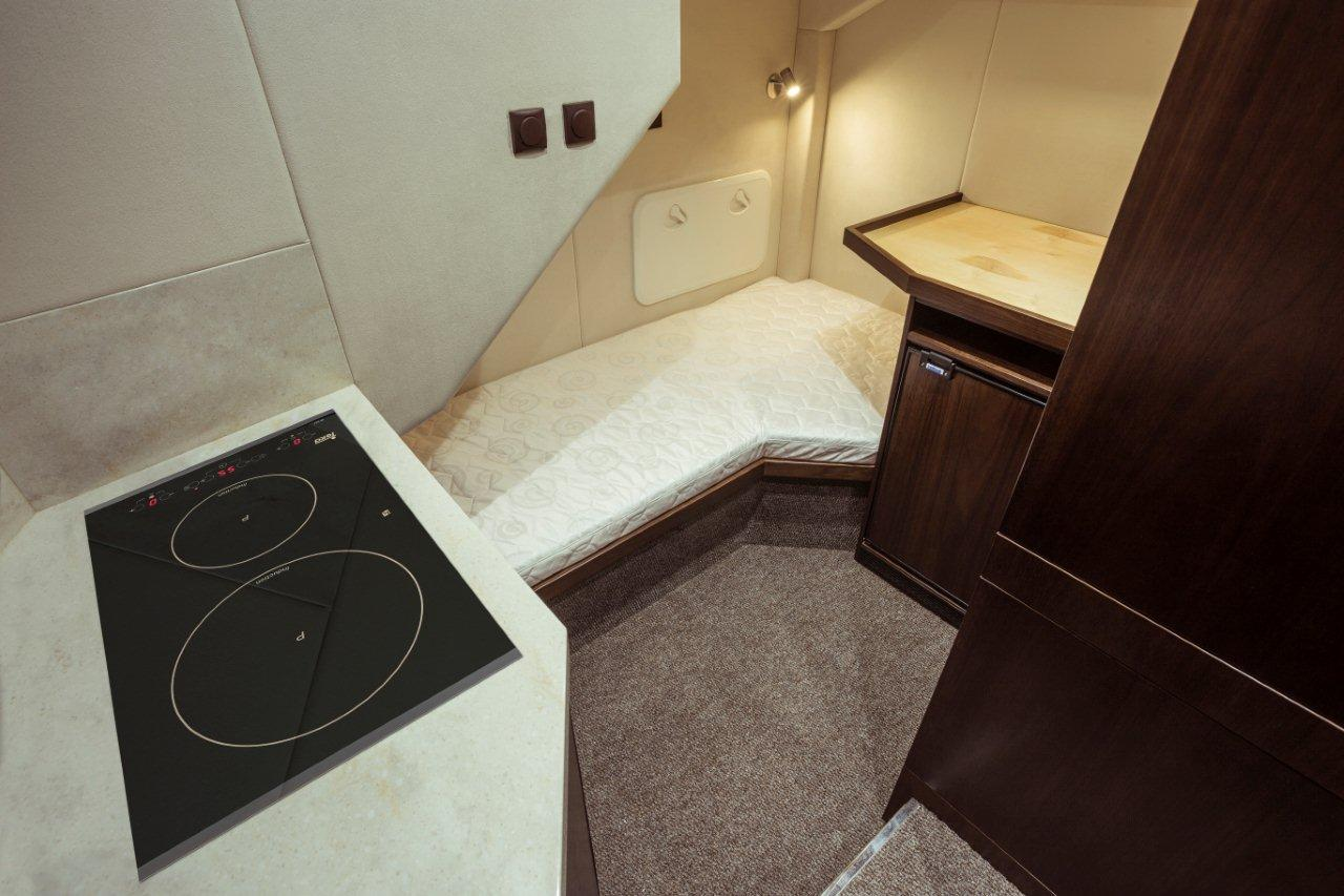 Galeon 660 FLY Internal image 44