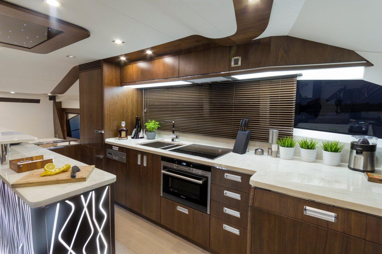 Galeon 660 FLY Internal image 6