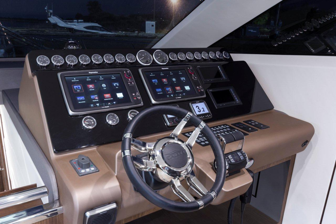 Galeon 660 FLY Internal image 9