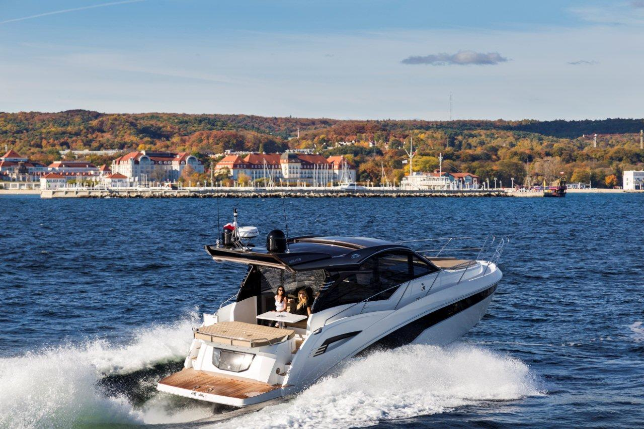 Galeon 425 HTS External image 10