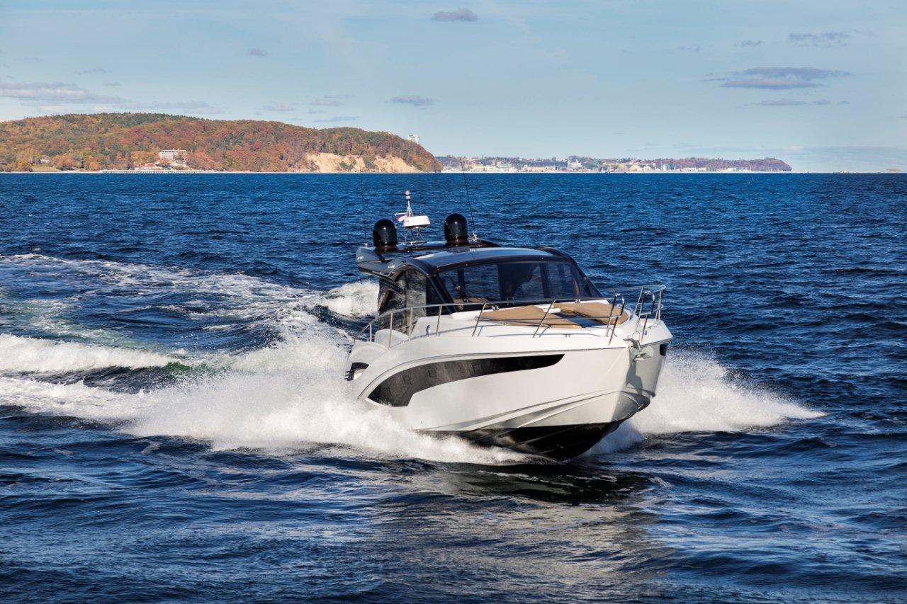 Galeon 425 HTS External image 11