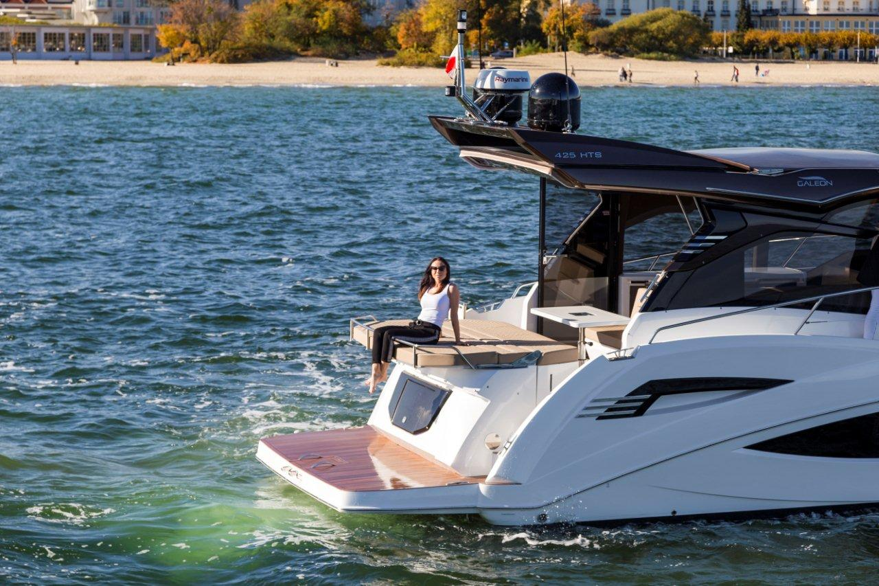 Galeon 425 HTS External image 18