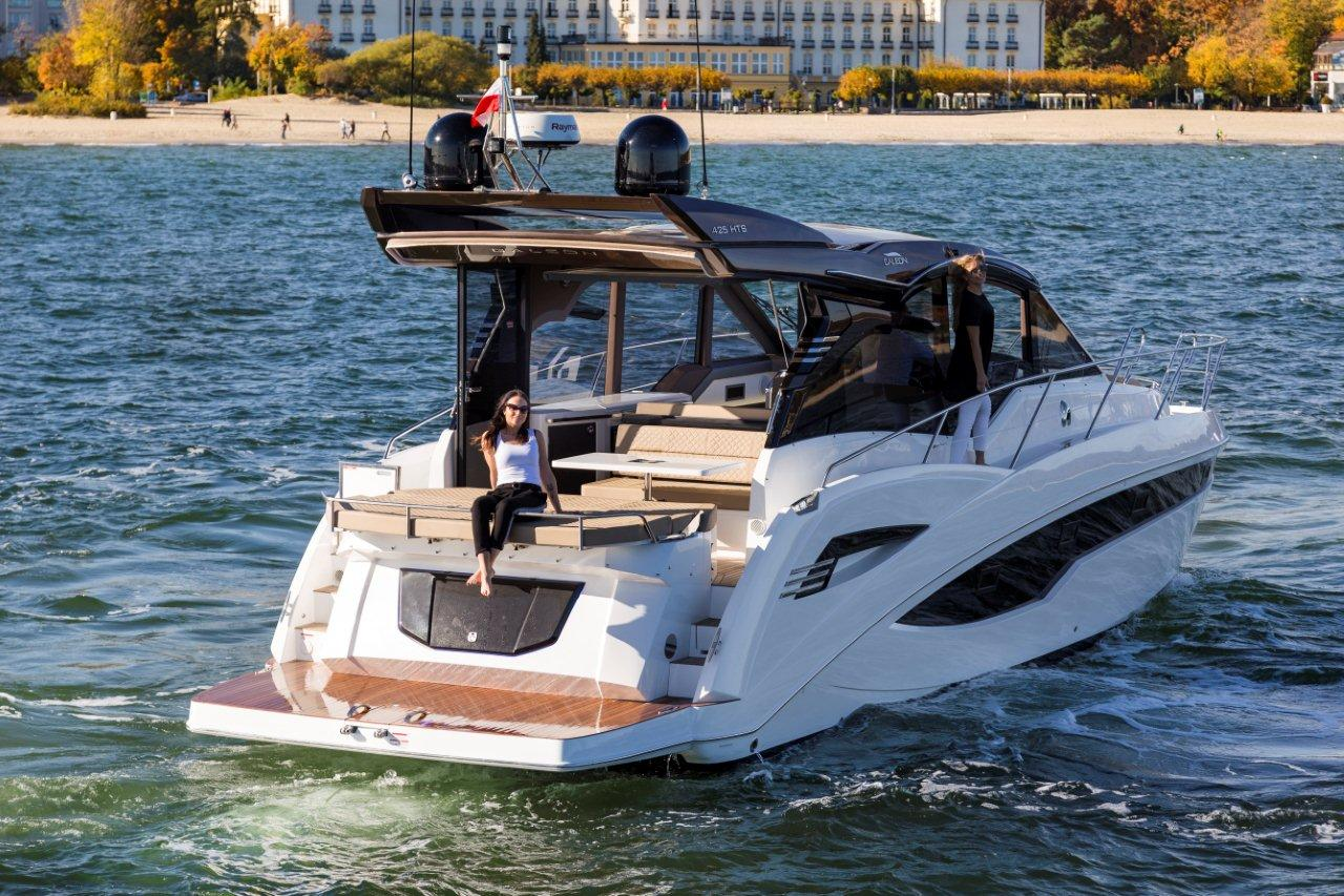 Galeon 425 HTS External image 19