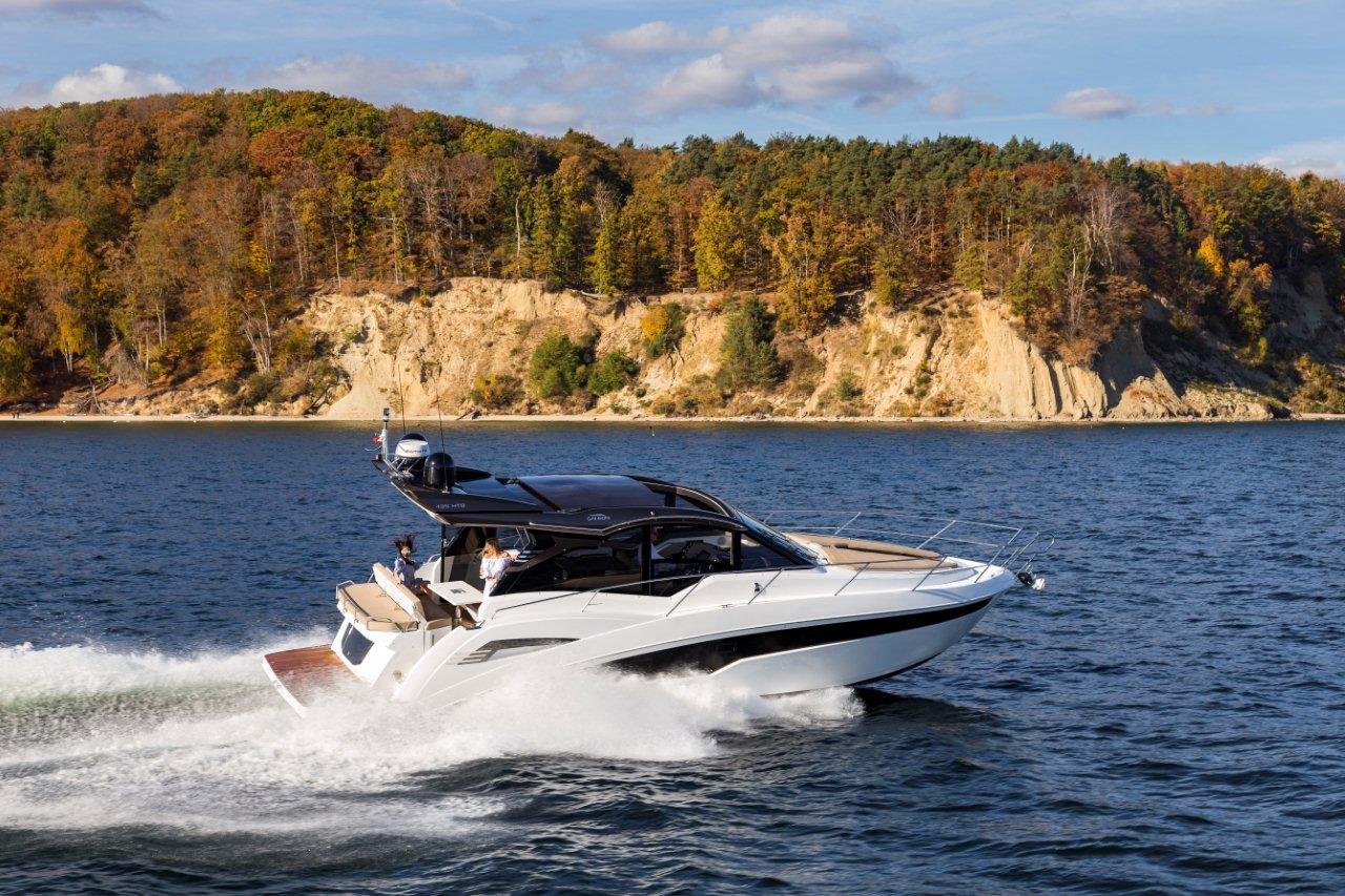 Galeon 425 HTS External image 38