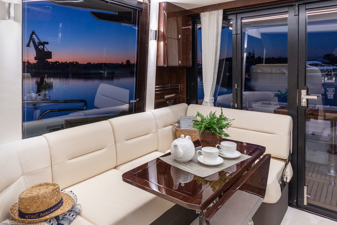 Galeon 800 FLY Internal image 1